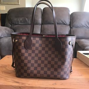Louis Vuitton neverfull pm hardly used